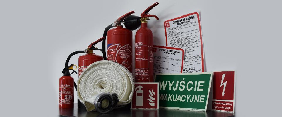 Gaśnice, wąż pożarowy, tablice informacyjne wprzypadku pożaru